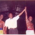 Théodore Lokossou déclaré ici vainqueur à l'issue d'un combat