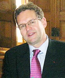 L'expert français, Mathieu Bertrand