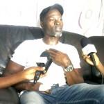 Djimon Hounsou au Salon d'honneur de l'aéroport
