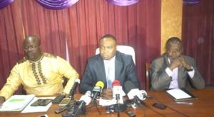 Rafiou Paraïso et ses collaborateurs lors de la conférence de presse