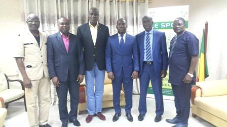 Le ministre des sports et les envoyés de la FIFA