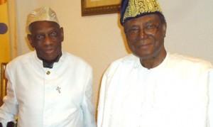 Professeur Albert Tévoèdjrè et le Président Nicéphore Soglo