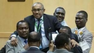 Ahmad Ahmad, le nouveau président de la CAF porté en triomphe