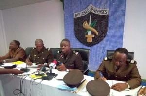 DG douane, Charles Sacca entouré de ses collaborateurs lors du point de presse