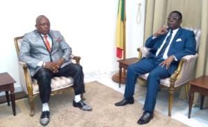 Le président de la Fopa, Gilbert Dakè Djokess avec, Théodore Holo
